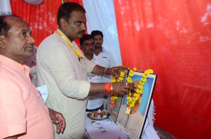 जाने कैसे तोड़ा BJP MP सुब्रत पाठक ने सपा का तिलस्म